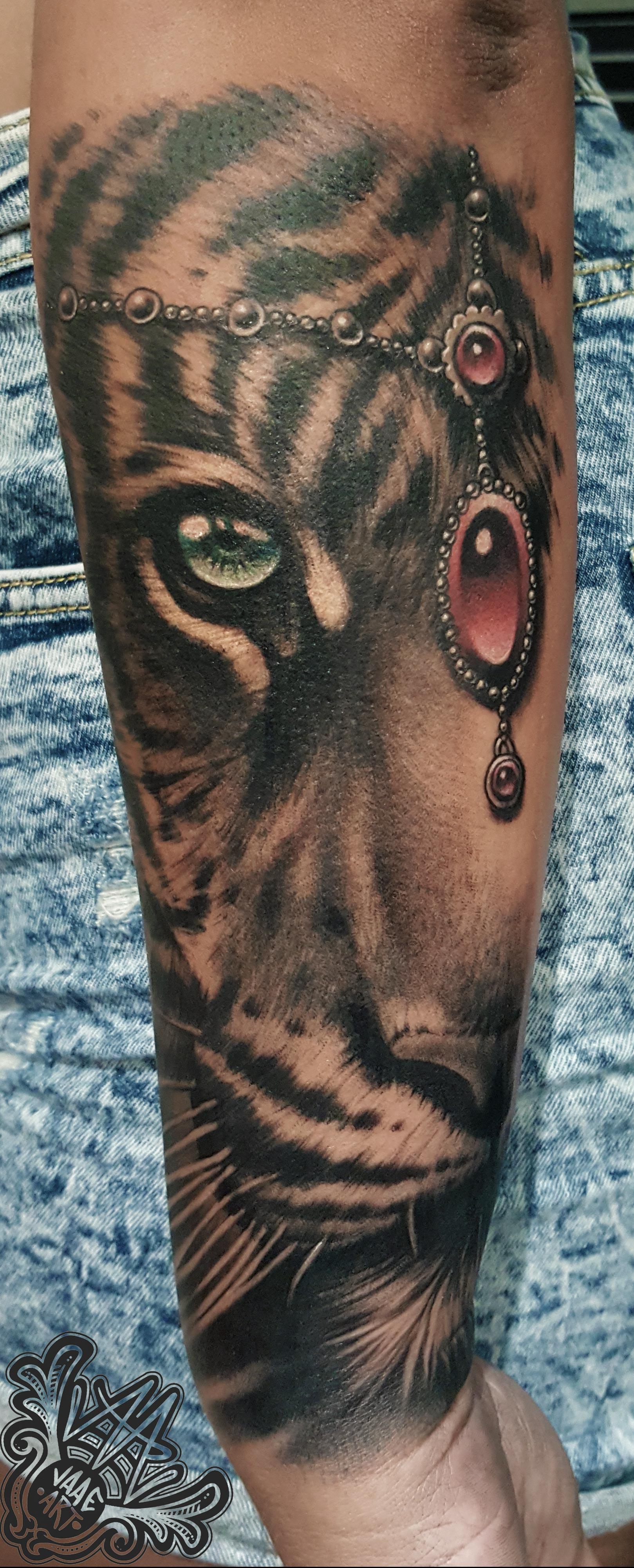 tigresa-hindu-diadema-colgante-tigre