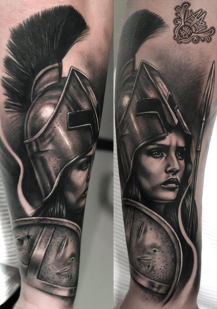 spartan- spartangirl-espartana-spartantattoo-realistictattoo-spartanhelmet-helmet-spartanshield