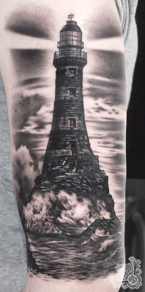 faro-lighthouse-farotattoo-lighthousetattoo-blackandgrey-marinetattoo-martattoo